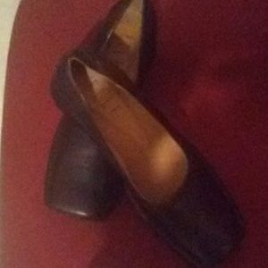 New! Leather women's loafer Size 10